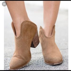 Chinese Laundry Kelso Suede Booties